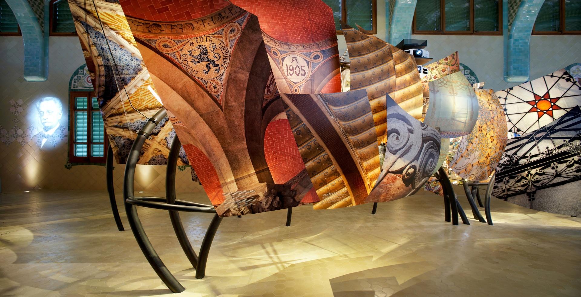 Hospital of the Santa Creu i Sant Pau. Illuminated dragon made of architectonic elements by Domènech i Montaner.